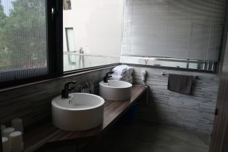 兩個洗手槽