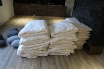 打通鋪用的被子枕頭