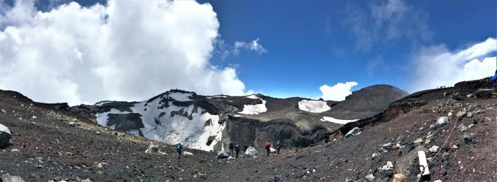 【富士山】登上日本第一高峰-爬到腿軟12小時不間斷