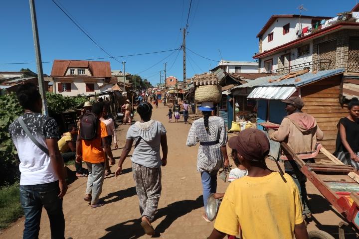 蜜月二部曲-【馬達加斯加】6天6夜,不思議的生態地質人文之旅 〈DAY 2〉